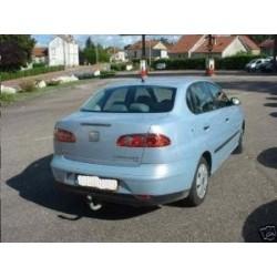 ATTELAGE SEAT Cordoba 1999- 2003 (et Vario (Break) Type 6K ) - Rotule equerre - attache remorque WESTFALIA